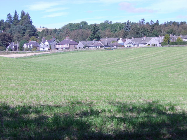 Houses on Beltie Road (A980)