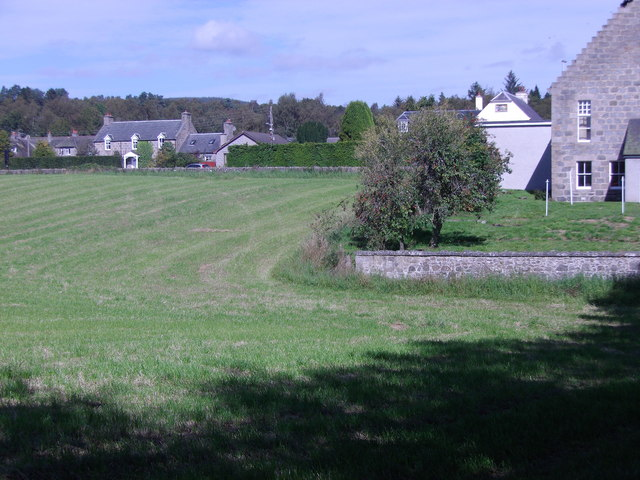 More houses on the Beltie Road (A980) in Torphins