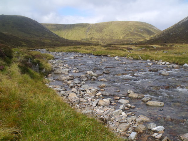 Cnap nan Laogh from the banks of River Eidart, Glenfeshie