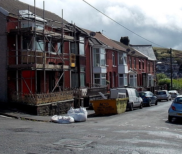 Hill View houses, Pontycymer