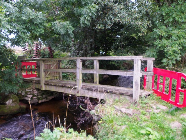 Footbridge over the Beltie Burn