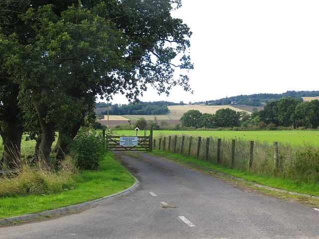 Private road, Kinfauns