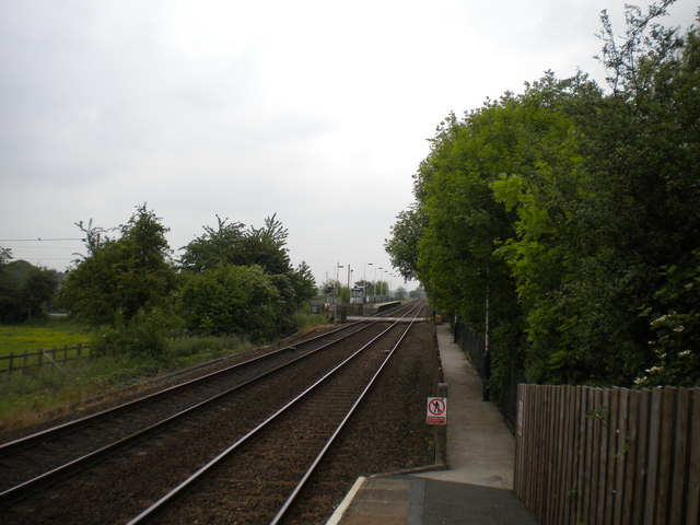 Staggered platforms at Bleasby station