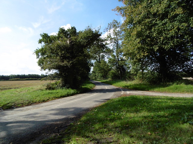 Road leading to Ashby Puerorum
