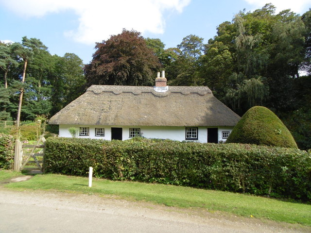 Thatched Cottage near Bag Enderby