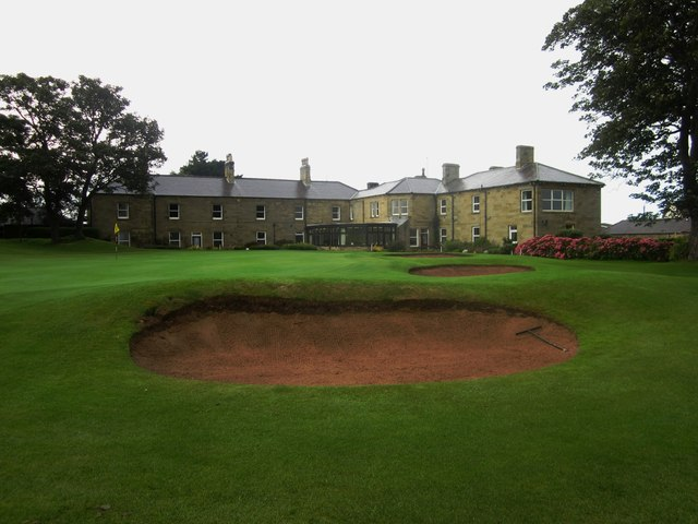 The 18th green and clubhouse, Alnmouth Golf Club
