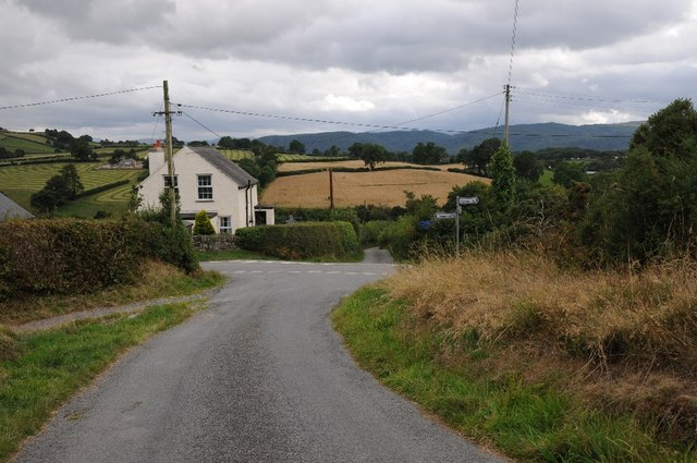 Crossroad to the north of Llanddoged