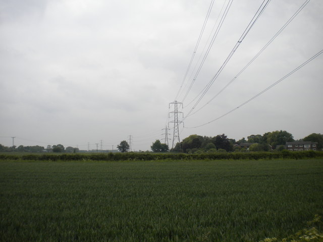 Pylons south of Thurgarton