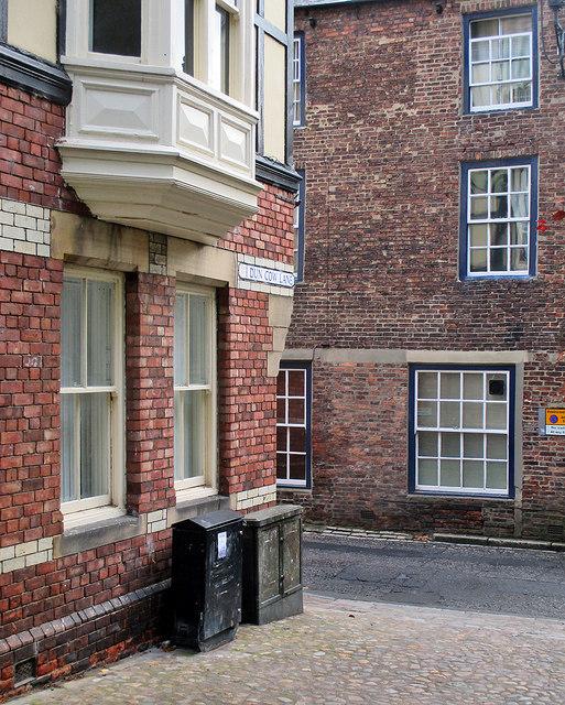Durham: the corner of Dun Cow Lane