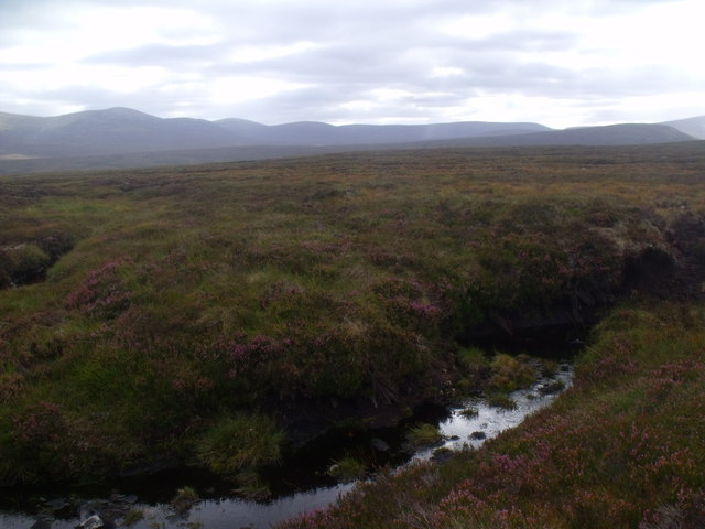 Peat bank in drainage of Allt Eindart near Glenfeshie