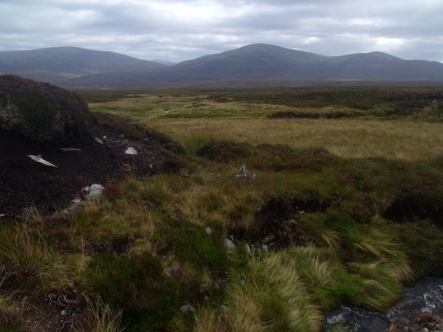 Mainstream course of Allt Eindart near Glenfeshie