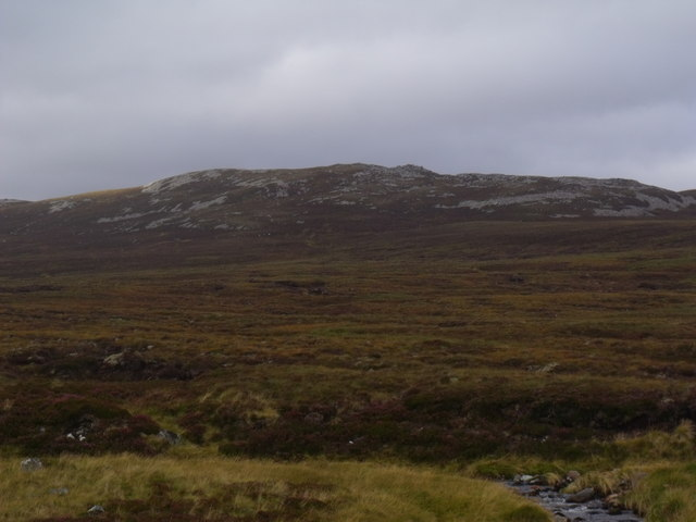 Cnapan Eachan away across the course of Allt Eindart, Glenfeshie