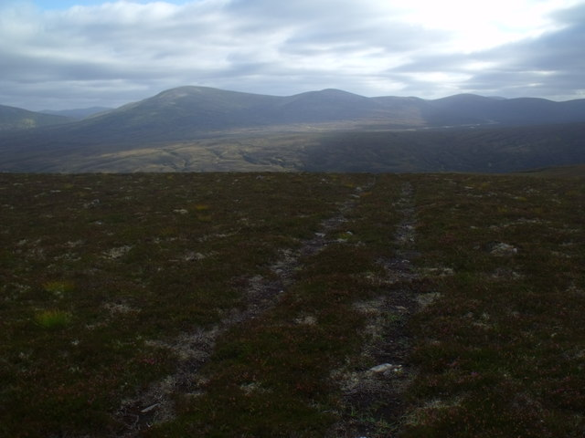 ATV track on ridge south of Diollaid Coire Eindart, Glenfeshie