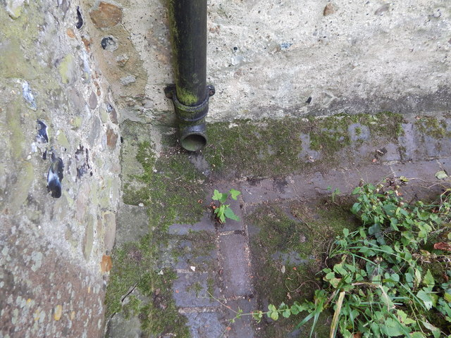 Gutter at Chickney church