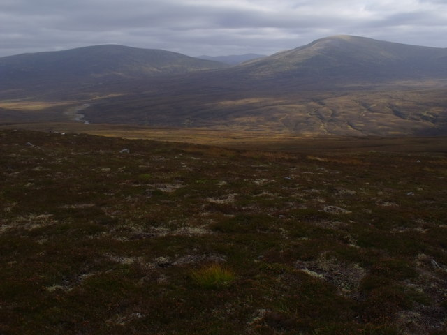 View south from ridge below Diollaid Coire Eindart, Glenfeshie