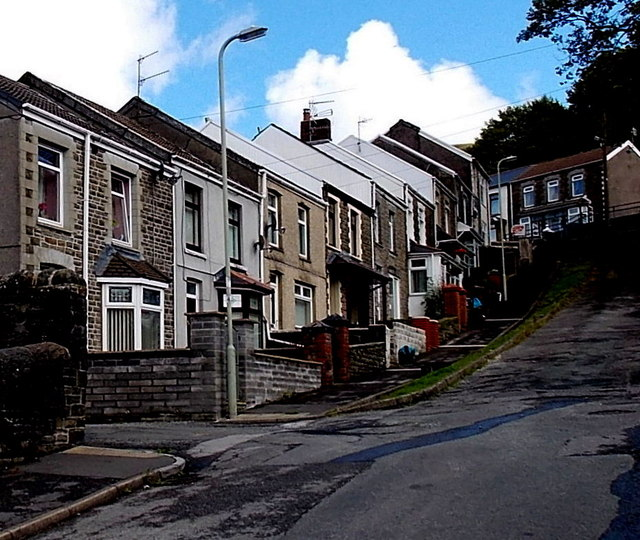 Houses at the top end of Ivor Street, Pontycymer