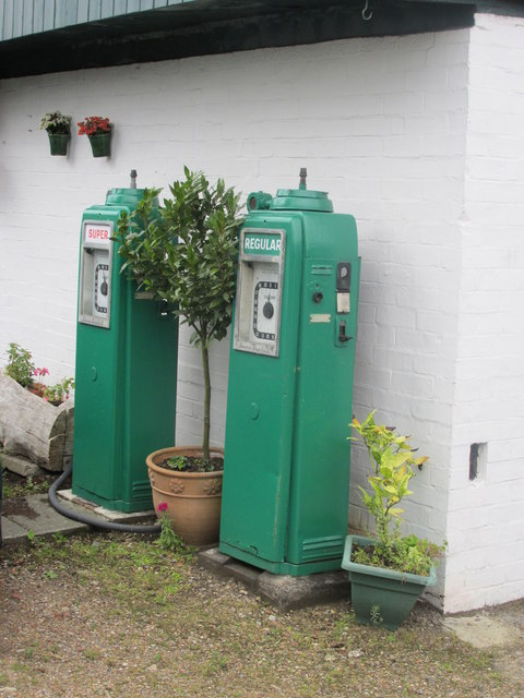 Petrol pumps, Thorpe Lane