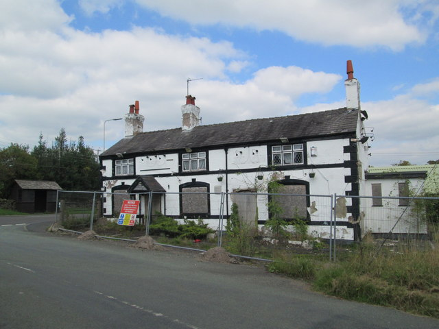 The derelict New Inn, Longsdon