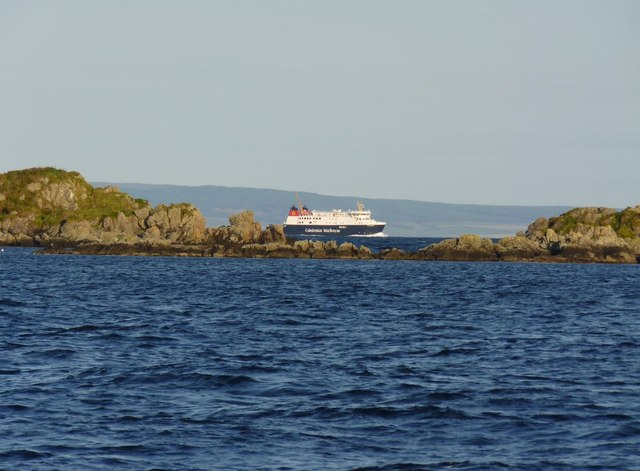 The MV Finlaggan approaches Islay