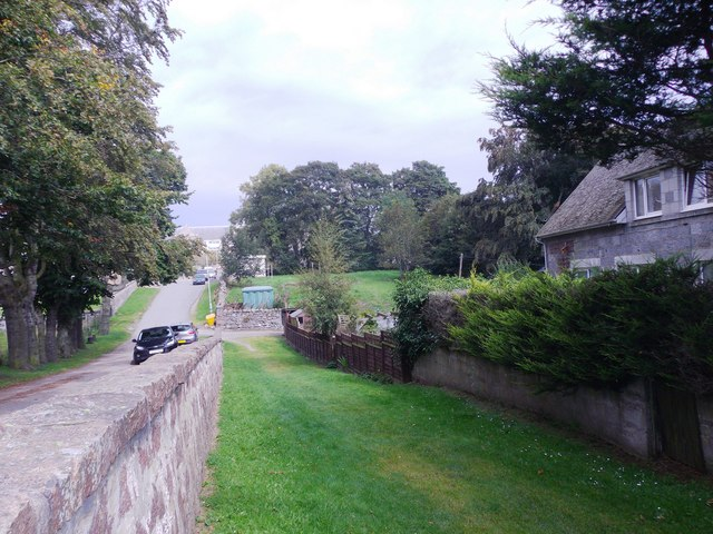 Waulkmill Farm path approaching its junction with Brebner Place