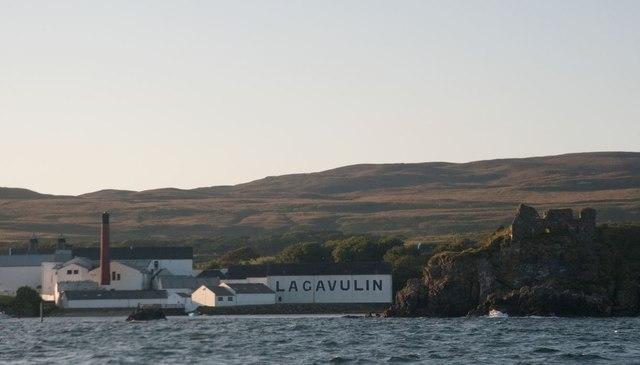 Lagavulin Distillery and Dunyvaig Castle, Islay