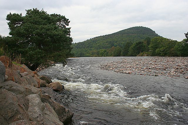 River Dee and Craigendarroch