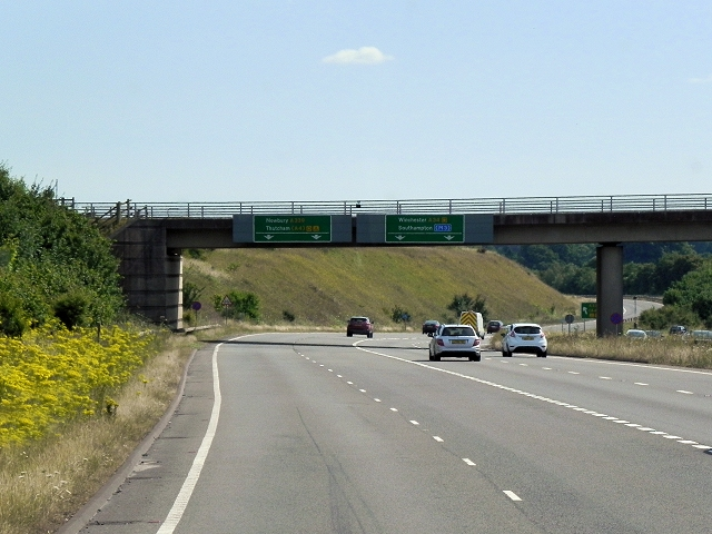 Southbound A34, Sliproad to A339