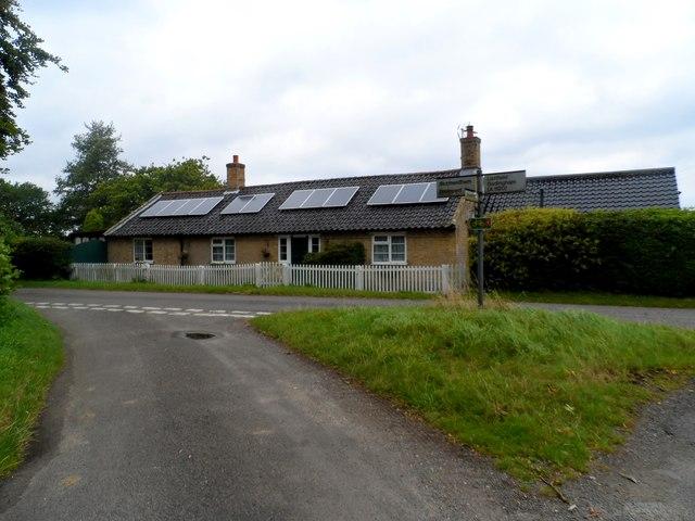 Bungalow with solar panels near Bruisyard