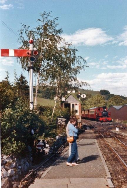 Welshpool and Llanfair Light Railway, Llanfair Caereinion station
