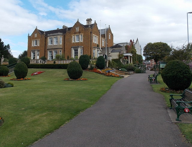 Path through Egerton Lodge Memorial Gardens, Melton Mowbray