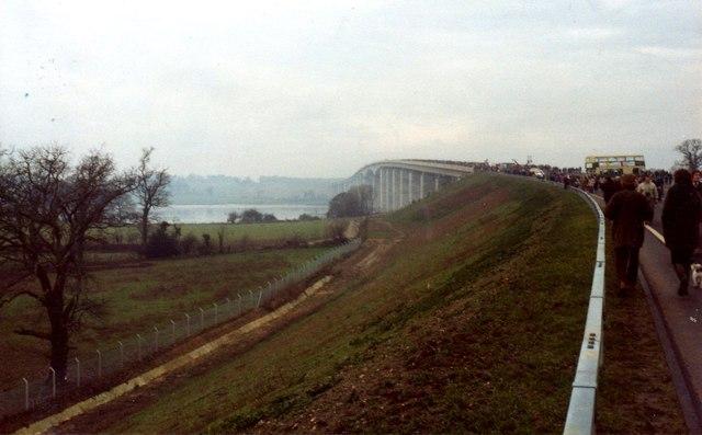 Approach to Orwell Bridge in 1982