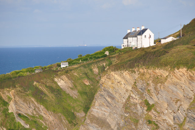 North Devon : The Cottages on Rillage Point