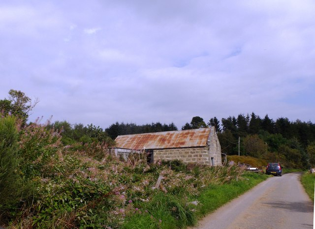 A steading by the road to Wester Beltie