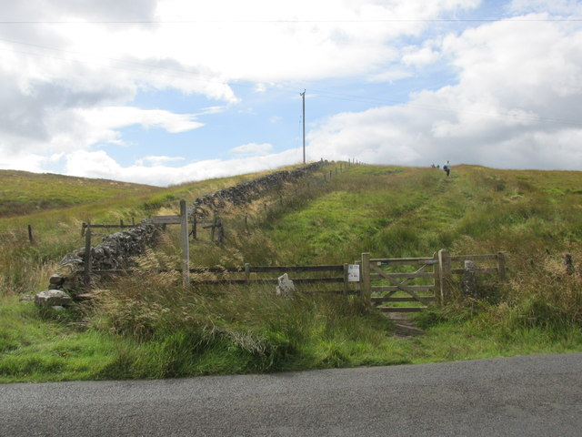 The Pennine way reaches the road near Ladyhill.