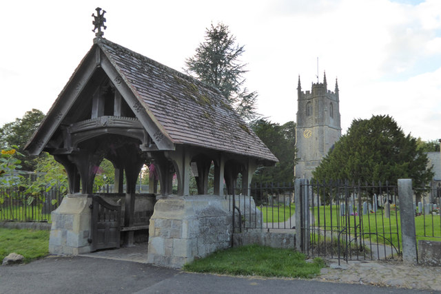 Avebury church and lychgate