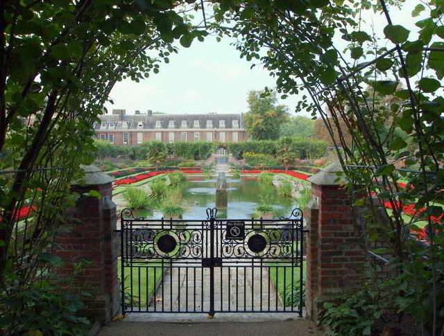 Kensington Palace Vicinity, London