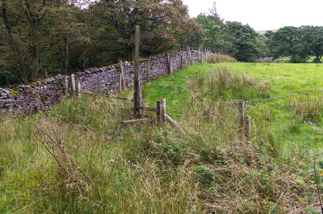 Footpath to Lamb Hill