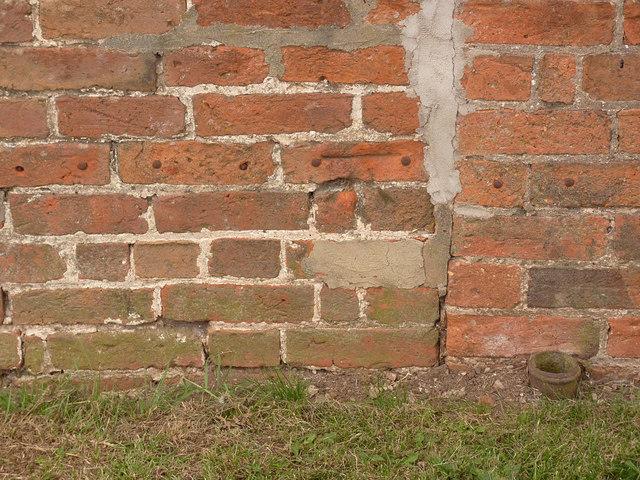 Bench mark, Windmill Cottage, North Leverton