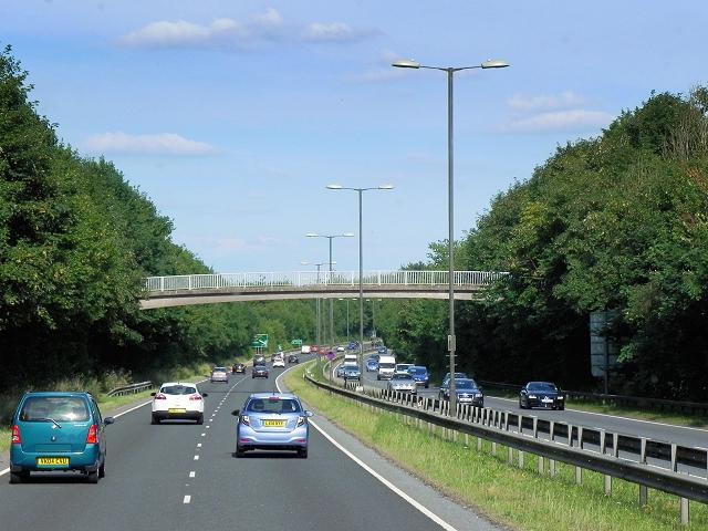 Footbridge over Basingstoke Ringway North