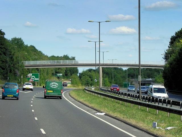Basingstoke, Footbridge over Ringway North (A339)