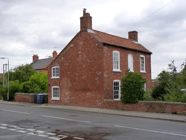 Gainsborough House, Main Street