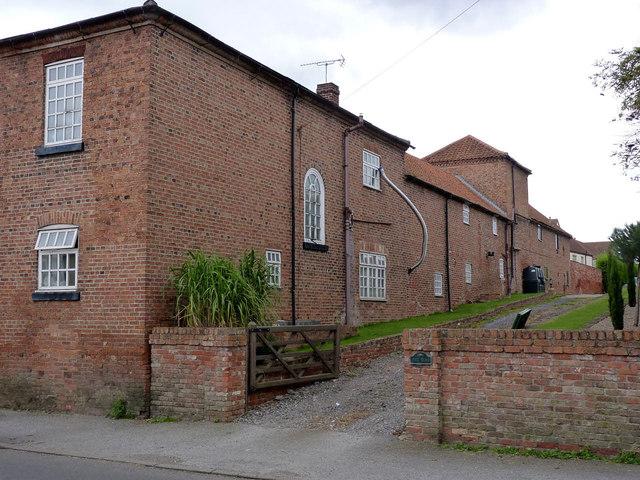 Corner Farm, Main Street
