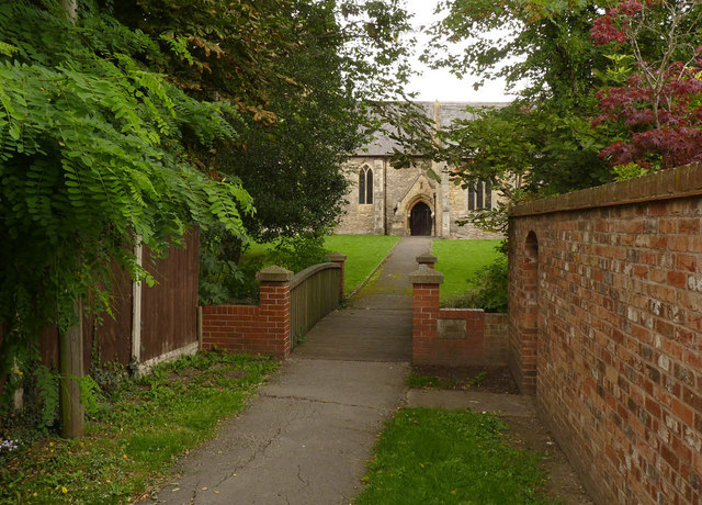 Footpath to St Martin's Church, North Leverton
