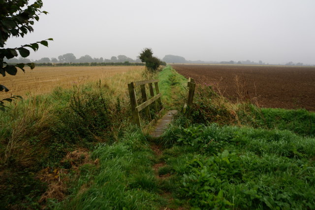 Footbridge near New Farm, Laceby