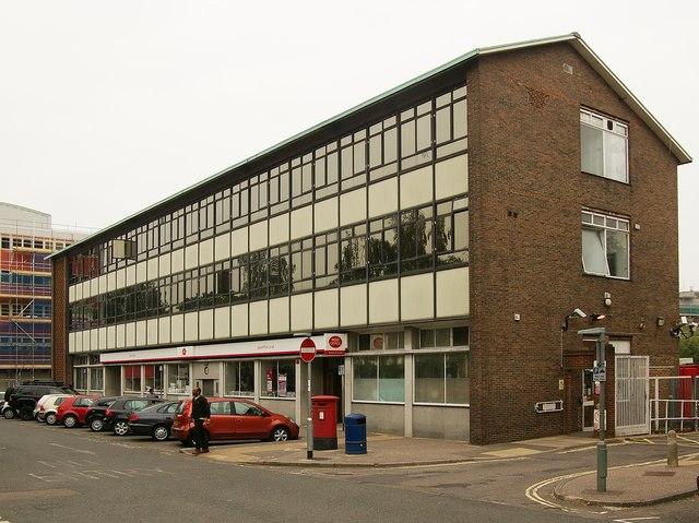 Crawley Post Office, The Boulevard