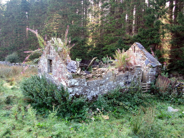 Ruined farm building near site of Bells Chapel