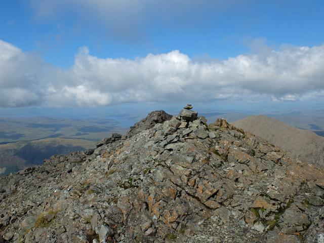 Summit cairn, Sgùrr na Banachdaich