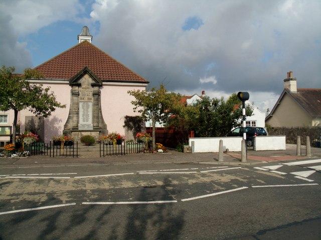 Miners' Welfare Institute and War Memorial, Coaltown of Wemyss