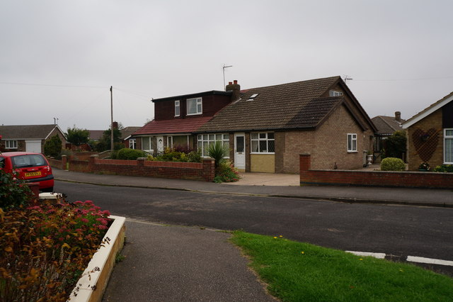 Bungalows on Wold View, Holton le Clay