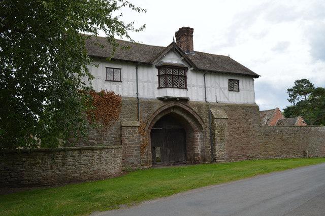 Priory Gatehouse, Bromfield